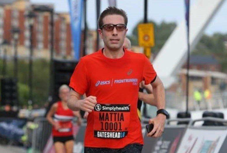 runner indossa occhiali fotocromatici da vista per running